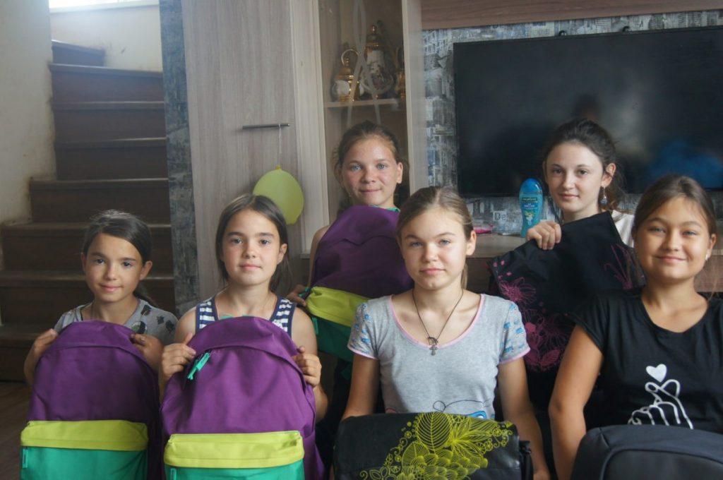 solovtevy 1024x680 - Собери ребенка в школу
